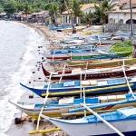 Local fishing boats at Hondura Beach